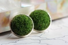 Synthetic Turf Depot provides one-stop shopping for your artificial grass installation needs and offers same-day pick-up to our metroplex installers. Artificial Grass Installation, Artificial Turf, Fake Grass, Green Grass, Studs, Craft Ideas, Fan, Jewellery, Decoration