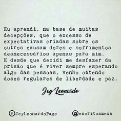 LMais q verdade Quotes To Live By, Me Quotes, Jey Leonardo, Cool Phrases, Trust No One, Simple Words, Anti Social, In My Feelings, Positive Thoughts