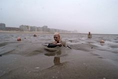 Artist Isaac Cordal's Incredible Tiny Sculptures Offer a Chill...
