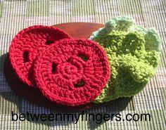 BLT Sandwich – Free Crochet Pattern – Between My Fingers Crochet Food, Love Crochet, Crochet Gifts, Crochet For Kids, Knit Crochet, Crochet Fruit, Crocheted Toys, Crochet Patterns Amigurumi, Crochet Stitches