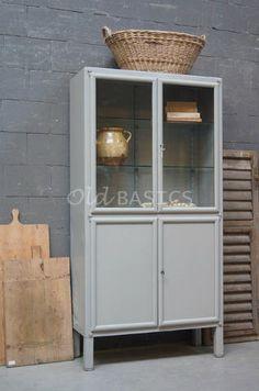 Apothekerskast 10045 (wit) - Witte apothekerskast met glas aan drie ...