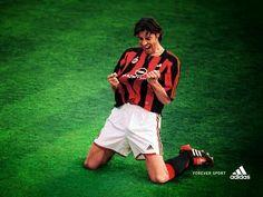 Rui Costa Cesar Costa, Rui Costa, Eric Cantona, Legends Football, Football Soccer, Good Soccer Players, Football Players, Beckham, Sports Marketing