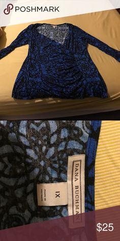 Dana Buchanan shirt 1x Beautiful shirt with gathered side 3/4 length sleeves Dana Buchman Tops Blouses
