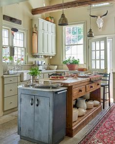 Kitchen Inspiration by Country Home Magazine Country Kitchen Farmhouse, Modern Farmhouse Kitchens, Farmhouse Decor, Farmhouse Style, Country Kitchens, White Kitchens, Dream Kitchens, Farmhouse Design, Cosy Kitchen