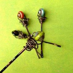 Wire Wrapped Beaded Bobby Pins por TotallyCrosses en Etsy
