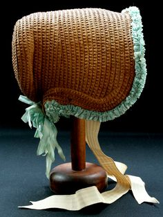 Bonnet, first quarter of the 19th century