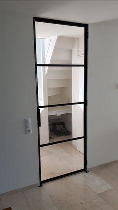 Scharnierdeur geproduceerd en geplaatst door Mijn Stalen Deur.