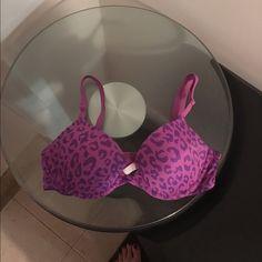 PINK Bra size 32B Beautiful PINK bra size 32B. Good condition. PINK Victoria's Secret Intimates & Sleepwear Bras