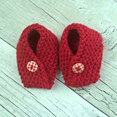 Christmas Baby Booties, Red Hand Knitted Booties, Newborn Baby Bootees, Crib Shoes, Baby Shower Gift, 0-3 months, Hand Knit Baby Booties