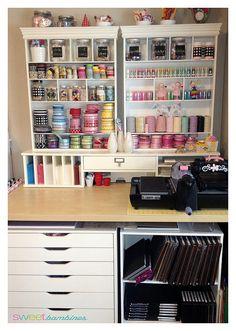 Craft Room / Studio / Very small space - big organization...