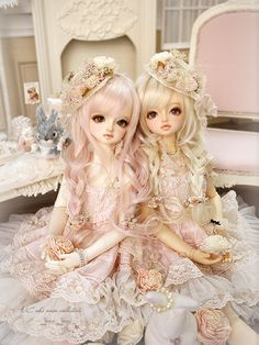 #doll #bjd - So cute. I really love the look of these two.