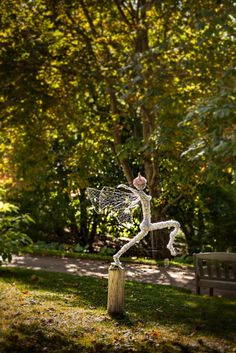 Dancing and flying wire fairies, metal art, Wire fairy sculpture. Breathtaking one of a kind stainless steel wire fairy sculpture. Wire Sculptures, Wire Art, Heron, Faeries, Arch, Dancer, Outdoor Structures, Garden, Longbow