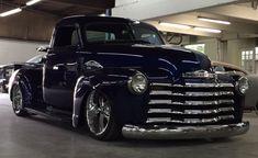 old trucks chevy Custom Pickup Trucks, Classic Pickup Trucks, Chevy Pickup Trucks, Gm Trucks, Cool Trucks, Dually Trucks, Chevy 3100, Chevy Pickups, Chevy Trucks Older