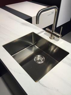 Meer dan 1000 idee n over rvs spoelbakken op pinterest spoelbakken rvs keuken en wastafels - Geintegreerde keuken wastafel ...