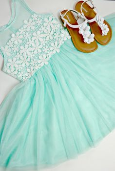 Mint green Easter dr
