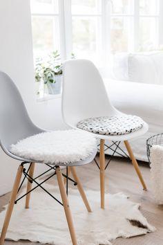 Seat Cushion For Eames Chair In White, Limitiert Von PomponettiInterior Auf  Etsy