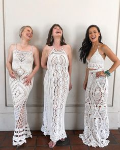 Crochet Dress Inspiration And Pattern – Love Quilting Online Diy Crochet Dress, Diy Crochet Cardigan, Crochet Wedding Dress Pattern, Crochet Wedding Dresses, Crochet Summer Dresses, Wedding Dress Patterns, Crochet Clothes, Knit Dress, Dress Tutorials