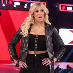 Ronda Rousey crashes Becky Lynch's Hold Harmless Agreement signing: photos Wwe Divas Paige, Charlotte Flair Wwe, Queen Of The Ring, Wrestlemania 29, Wwe Female Wrestlers, Raw Women's Champion, Becky Lynch, Wwe Womens, Waiting For Her