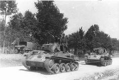 Hungarian Toldi tank towing another Toldi. Tank Armor, Tiger Tank, Defence Force, Austro Hungarian, Ww2 Tanks, World Of Tanks, Panzer, Armored Vehicles, War Machine
