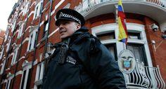 Assange Says Hillary Clinton Behind Ecuador's UK Embassy Ban on Internet