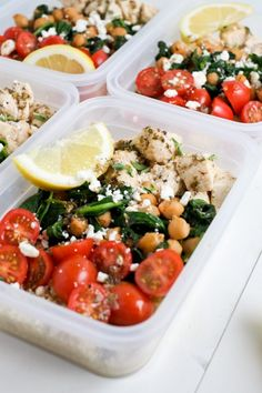 5 Easy Make-Ahead Lunches to Give You a Weight Loss Boost This Week Make Ahead Lunch Bowls: Greek Chicken Lunch Prep Healthy Meals For Kids, Healthy Meal Prep, Healthy Snacks, Healthy Eating, Healthy Drinks, Super Healthy Recipes, Kids Meals, Easy Recipes, Make Ahead Lunches
