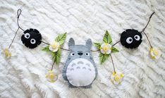 can do for back of makeup chair or on top of mirror! Totoro Nursery, Sewing Crafts, Sewing Projects, Craft Projects, Cute Crafts, Felt Crafts, Anime Crafts, Creation Couture, Felt Patterns