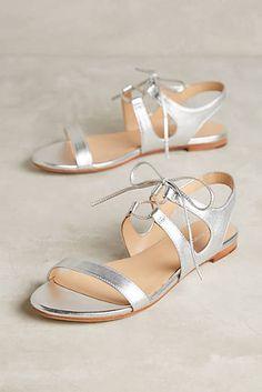 Pour La Victoire Lacey Sandals