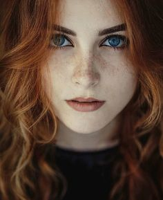 Rapariga ruiva com olhos e cabelo ruivo Red-haired girl with red hair and eyes Portrait Photos, Female Portrait, Portrait Photography, Hair Photography, Color Portrait, Fashion Photography, Photography Women, Woman Portrait, Photography Ideas