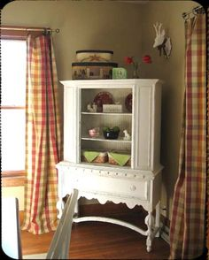 downsize the large red hutch to this small white hutch