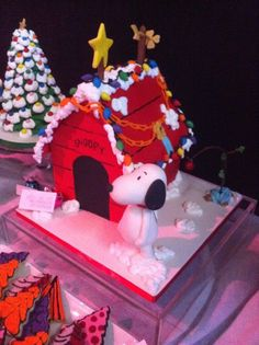 Love this Snoopy cake from Sweetcakes  By Rebecca.