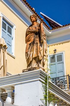 Poros Greece, Greece Pictures, Greek Isles, Statues, Bronze, Ancient Greek, Statue Of Liberty, Beautiful Places, The Incredibles