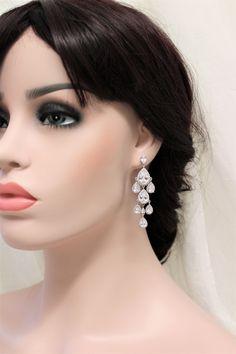 Art Deco Earrings, Vintage Style Crystal  Earrings, Bridal Earrings, Wedding Earrings, Crystal Drop Earrings, Wedding Jewelry https://etsy.me/2I5yuvD #weddings #jewellery #weddingearrings #earrings  #artdeco #bridal #vintagestyle #bridalearrings