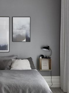 5 Simple Ways to Organize a Minimalist Bedroom Bedroom Decor Small Bedroom Interior, Room Decor Bedroom, Home Bedroom, Bedroom Ideas, Master Bedroom, Bedroom Rustic, Bedroom Vintage, Table For Small Space, Small Spaces