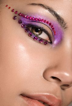 Shara Jeanelle by Marina Dean-Francis, via Behance Dean, Make Me Up, How To Make, Eye Makeup, Hair Makeup, Let Your Light Shine, Glitter Makeup, Fantasy Makeup, Everyday Makeup