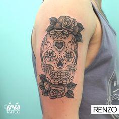 iristattooart#tattoo #tattooed #tattoolife #tatuaje #tattooartist #tattoostudio #tattoodesign #tattooart #customtattoo #ink #wynwoodmiami #wynwoodlife #wynwoodart #wynwoodwalls #wynwood #wynwoodtattoo #miamiink #miamitattoo #tattoomiami #buenosaires #buenosairestattoo #tattoobuenosaires #palermo #palermotattoo #sugarskulltattoo #skulltattoo #blackworktattoo #rosestattoo