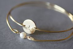 Custom Initial disc and single pearl bracelet, Personalized Jewelry, Initial Monogram Bracelet, greek alphabet, typewriter alphabet, Gift,