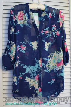 Kut From The Kloth Sinclaire Floral Print Button-Up Blouse Stitch Fix Review January 2016 www.somuchtoenjoy.com #stitchfix