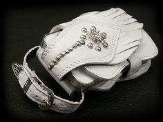 【楽天市場】アイフォンケース/携帯ケース/スマートフォンケース/ホワイト/Leather iPhone Case/Smartphone Case/Leather/White/WILD HEARTS/ワイルドハーツ:ワイルドハーツ Leather Phone Case, Cuff Bracelets, Iphone, Jewelry, Jewlery, Jewerly, Schmuck, Jewels, Jewelery