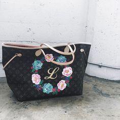 2b19eb628a4d 9 Best Louis Vuitton Painted Bags images