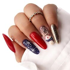 52 Trending Winter Nail Colors & Design Ideas - Hair and Beauty eye makeup Ideas To Try - Nail Art Design Ideas Winter Nail Designs, Colorful Nail Designs, Christmas Nail Designs, Cute Nail Designs, Christmas Patterns, Holiday Nail Art, Winter Nail Art, Winter Nails, Cute Christmas Nails