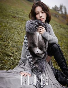 As we previously posted, Han Ji Min had gone to Switzerland with Elle Korea in tow. The magazine documented her relaxed sightseeing, but the actress also got down for some high class fashion pictor… High Class Fashion, Sport Fashion, Boho Fashion, Girl Fashion, Female Fashion, Korean Beauty, Asian Beauty, Korean Makeup, Korean Celebrities