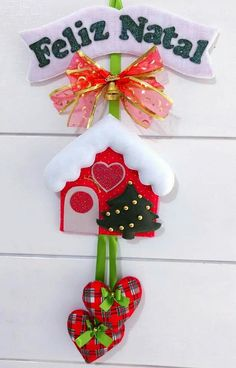 Christmas 2016, Christmas Crafts, Christmas Decorations, Christmas Ornaments, Holiday Decor, Pine Cone Crafts, Gisele, Felt Ornaments, Jingle Bells