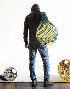 뜨개질 패턴기법을 사용한 조명 니트_아리엘 주커만x오디드 사피르의 콜라보레이션