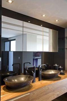 Nico Van Der Meulen Architects | Dark Bathroom Design