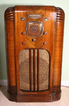 Vintage Philco Wood Console Radio, Model 40-110, Circa 1939 - 1940 ...