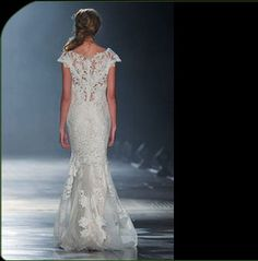 Back of dress...Click to close image, click and drag to move. Use arrow keys for next and previous.