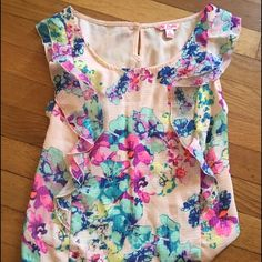 Candies floral print blouse Light floral patterned blouse with flowy material on the front. Candies size small. Candie's Tops Blouses