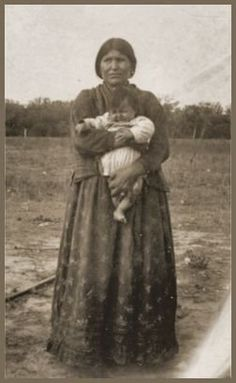 OTOE MOTHER AND CHILD , circa 1910