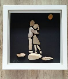 The image is made from Adriatic sea pebble. The printing is unique. A delightful gift. Size 23x23 cm.