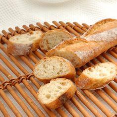シニフィアン・シニフィエの志賀シェフ監修の粉「アン・ヴィクトワール」を使ったバゲットです。噛むほどに味わい深く、国産小麦のハードブレッドとしては生地が扱いやすいのが特長。